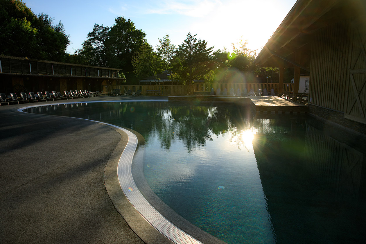 piscine village western